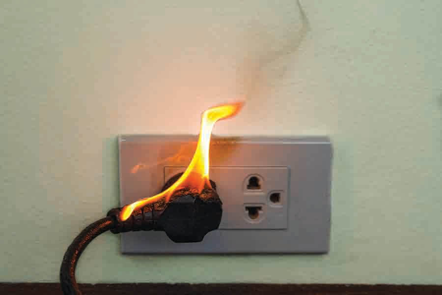 wire plug on fire resulting in electricity wire burnt